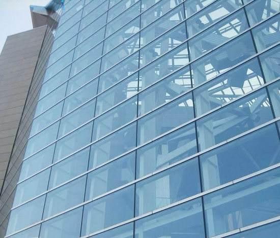 Isolering af glasset gardin væg af kassen, når forvitring lim injektion note